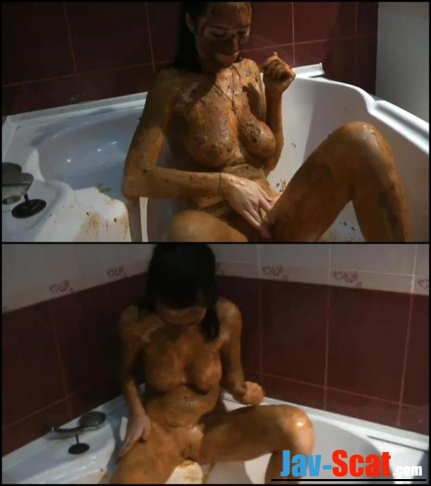 Russian girl covered feces masturbated in bath. - Special #110 [FullHD 1080p] - 694 MB