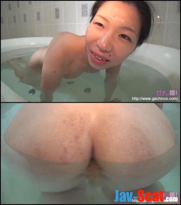 Saeko enema and defecation in water. (Uncensored HD 1080p) - GACHINCO [FullHD 1080p] - 428 MB